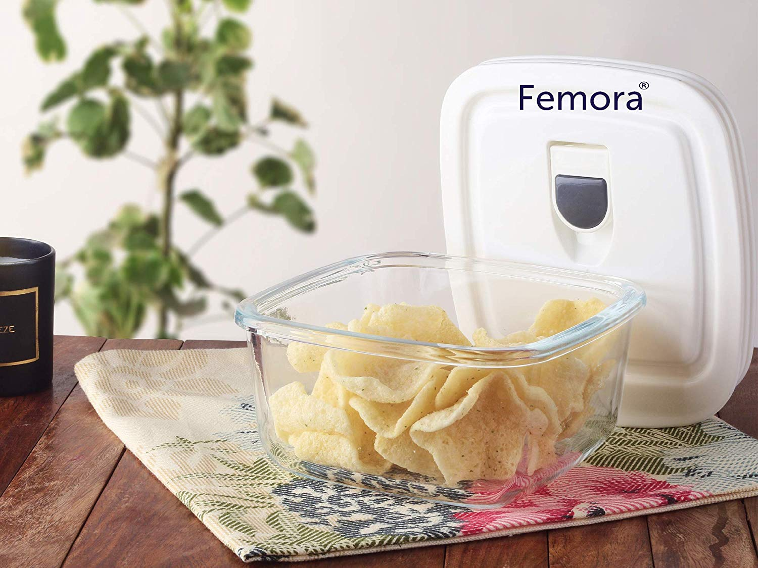 Femora Borosilicate Glass Square Container with Vacuum Lid - 950 ML